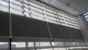 广西万博手机iOS高新区电子产业园1号楼卷帘工程
